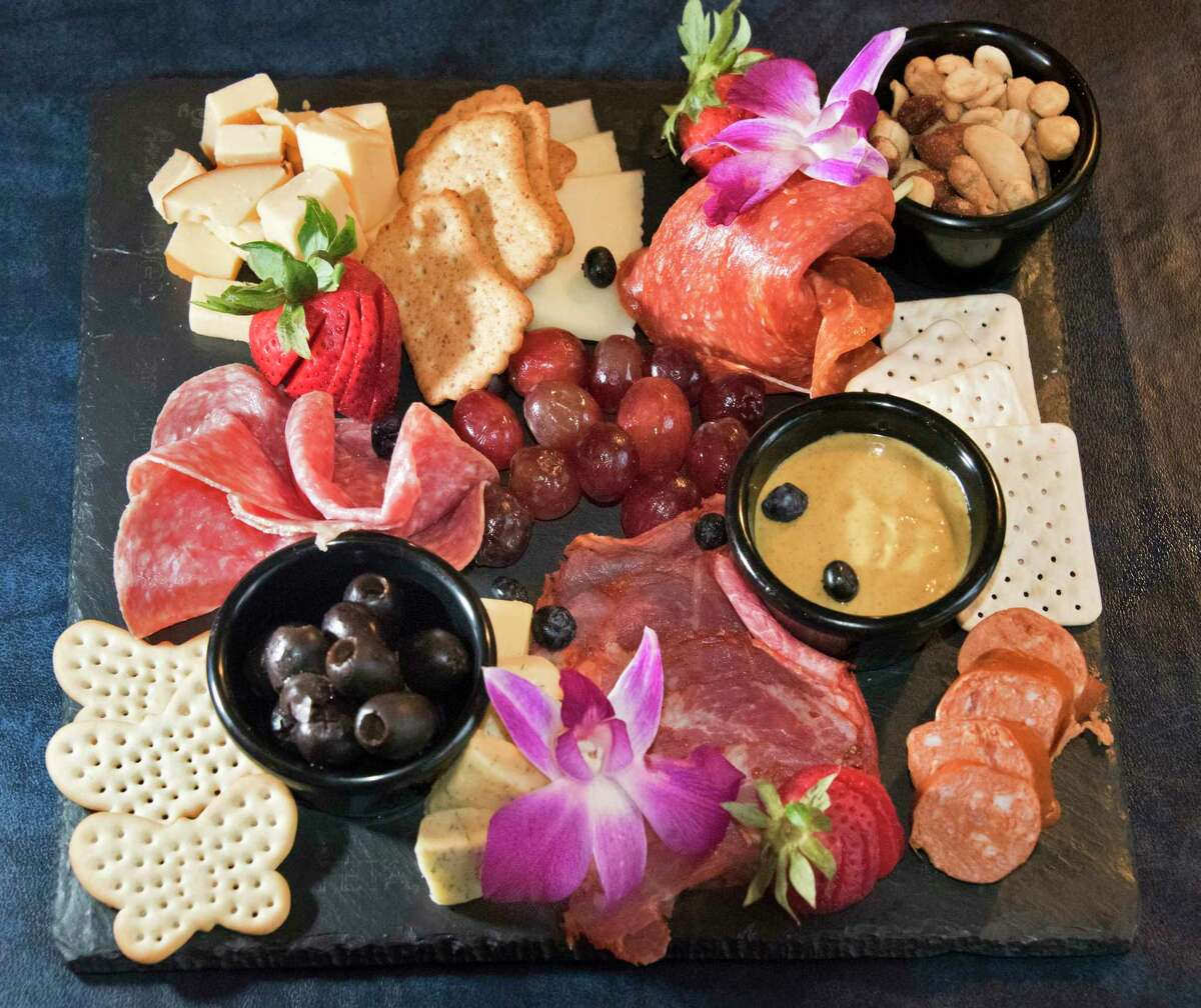 Click through the slideshow for recently reviewed restaurants near Lake George.