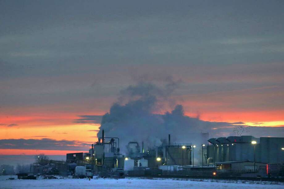 FILE - In this Jan. 11, 2016 file photo, dawn approaches over the meat processing plant owned and run by Cargill Meat Solutions, in Fort Morgan, a small town on the eastern plains of Colorado. The U.S. Department of Agriculture announced Wednesday, Sept. 20, 2018, that the company has recalled more than 132,000 pounds of ground beef after a deadly E. coli outbreak. The beef was produced on June 21 and shipped to retailers nationwide under several brands. (AP Photo/Brennan Linsley, File) Photo: Brennan Linsley / Copyright 2018 The Associated Press. All rights reserved.