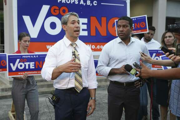 Mayor Ron Nirenberg makes a statement as groups for the city charter amendments after the cancellation of a debate forum with Chis Steele and Mayor Ron Nirenberg on Sept. 20. Readers debate the merits of the measures.