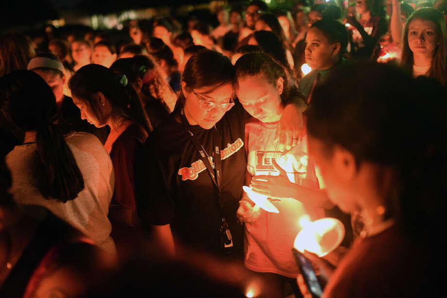 Members of the community came together Sept. 20, 2018,  for a candlelight vigil honoring Lee High school student athlete Essence Glover, who passed away after fainting during basketball practice the day before.  James Durbin/Reporter-Telegram Photo: James Durbin / © 2018 Midland Reporter-Telegram. All Rights Reserved.