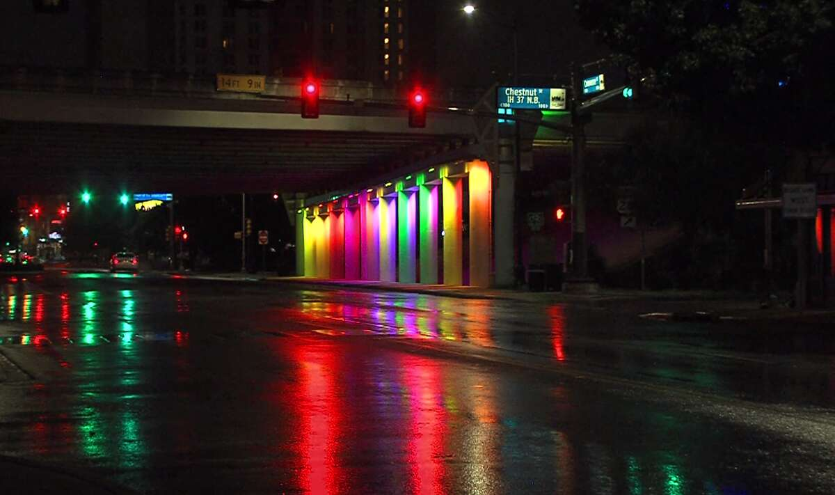 Rain at East Commerce Street early Saturday, Sept. 22, 2018. Overnight rainfall Saturday in San Antonio placed September 2018 as the wettest month in recorded history.