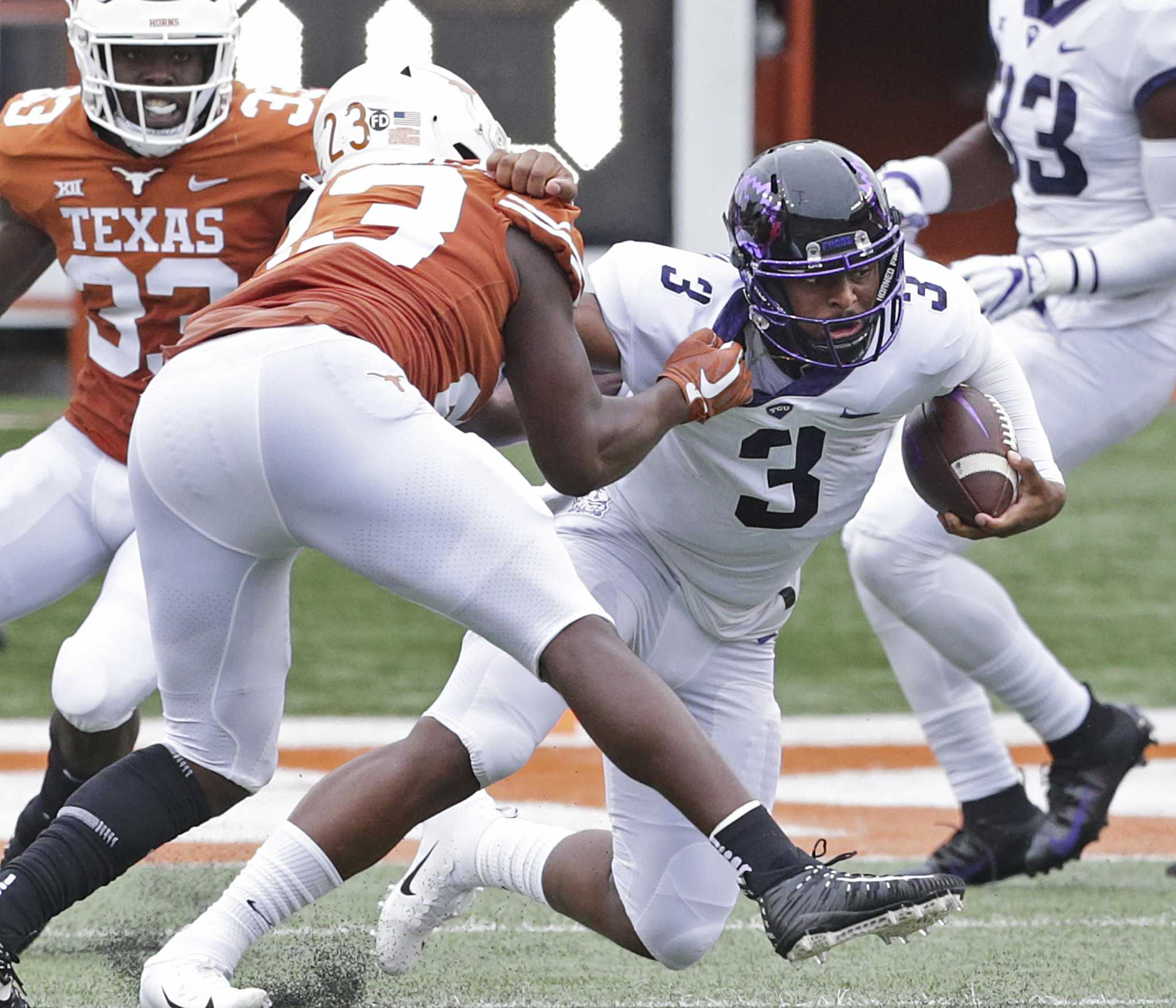 Expect to see more four-linebacker sets when No  12 Texas