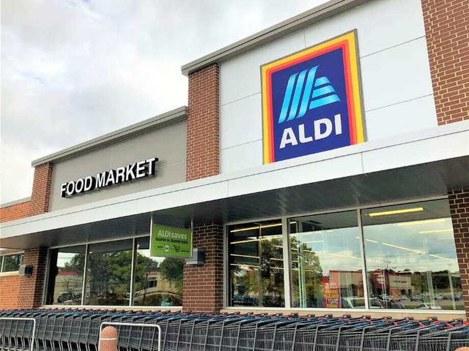 Aldi recently announced its national partnership with Instacart, an online service that offers grocery ordering and home delivery, after a successful pilot program was completed by the retailer. The announcement could mean Alton's Aldi, 2822 Homer M. Adams Pkway., pictured, and other regional locations may possibly see the service's availability for Aldi products in the near future. Photo: Brittany Johnson | The Telegraph