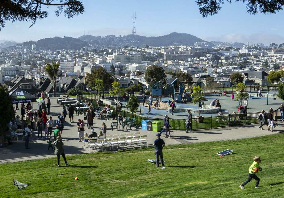 Visitors enjoy Alta Plaza Park in Pacific Heights during a reopening celebration after it was rehabilitated. Photo: Photos By Santiago Mejia / The Chronicle / ONLINE_YES