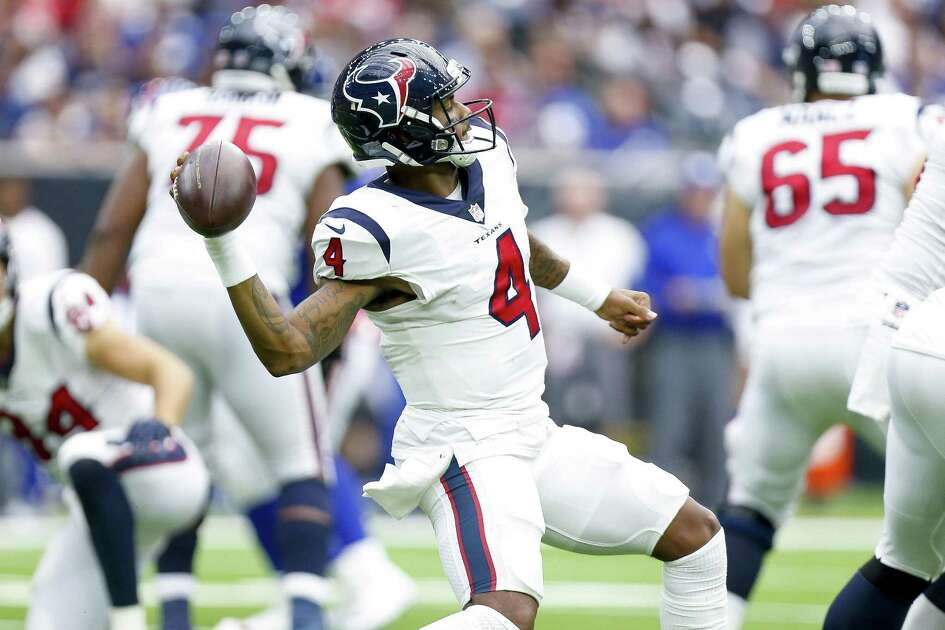 Houston Texans quarterback Deshaun Watson (4) looks for a deep pass during the second half as the Houston Texans take on the New York Giants at NRG Stadium Sunday Sept. 23, 2018 in Houston.