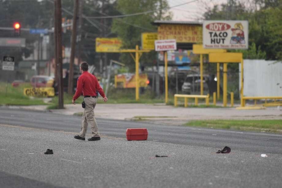 A man in his 60s was fatally struck while crossing the 300 block of Enrique M. Barrera Parkway on Monday, Sept. 24, 2018. Photo: Caleb Downs/San Antonio Express-News
