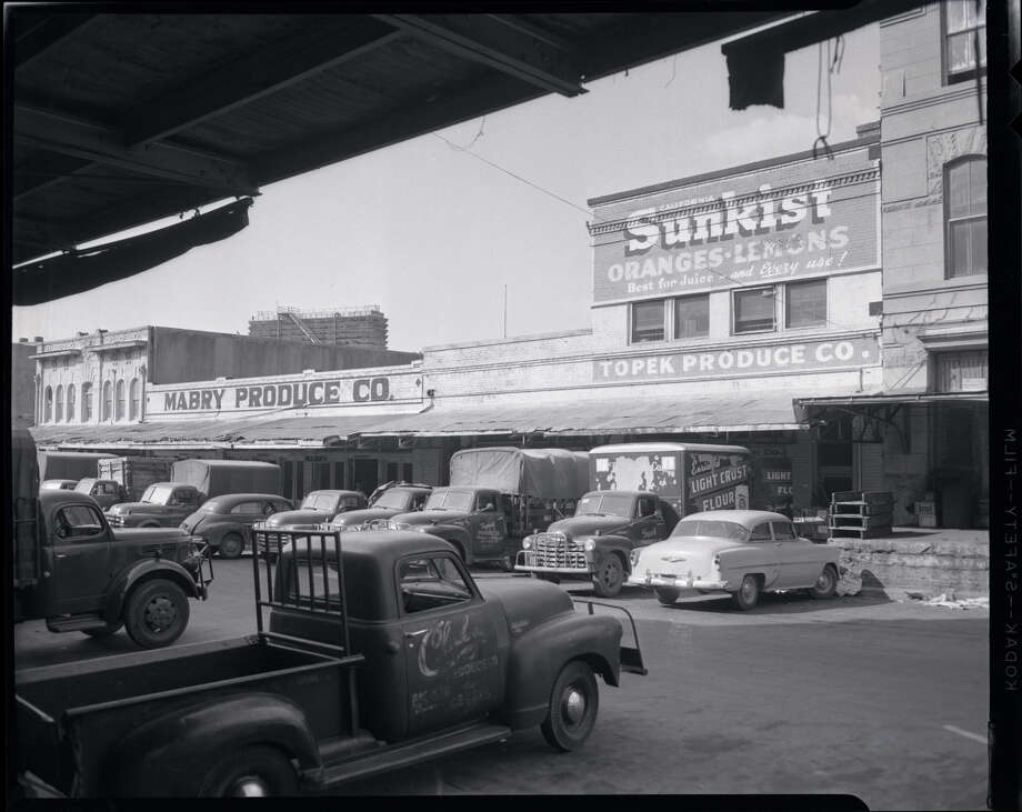 Circa 1950s: Downtown Houston Produce Row Photo: Houston Chronicle Files