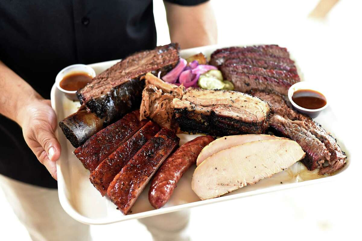 Killen's Barbecue The Pearland favorite attracts long lines of eager barbecue fans waiting to indulge in chef/owner Ronnie Killen's slow-smoked meats, decadent desserts and satisfying sides. What to order: Ribs! And bone-in pork. 3613 E Broadway St.