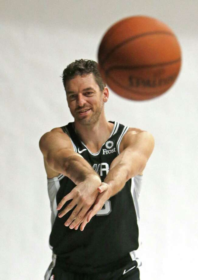 Pau Gasol goes thru media day portraits. Spurs Media Day at Spurs practice facility on Monday September 23, 2018. Photo: Ronald Cortes, Photo Correspondent / 2018 Ronald Cortes