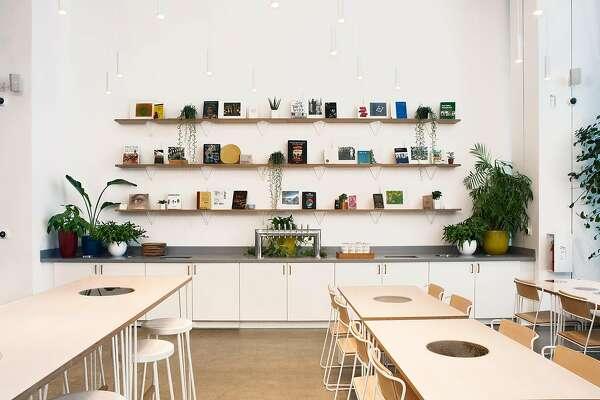 Astounding Creator San Franciscos Burger Robot Restaurant Opens To Download Free Architecture Designs Aeocymadebymaigaardcom