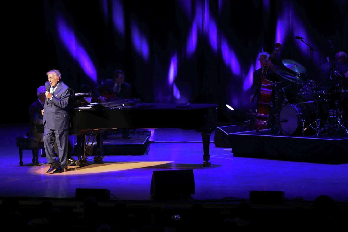 Tony Bennett performs with his trio in Atlanta in 2018.