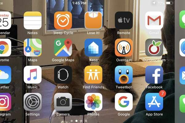 Sorry, your iPhone XS Max's home screen won't do landscape
