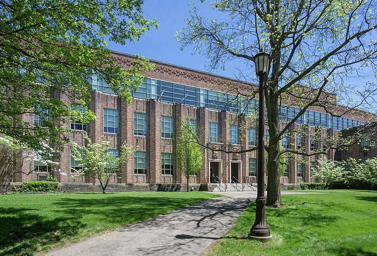 24. Franklin W. Olin College of Engineering Early career pay:$81,900 Mid-career pay:$134,200