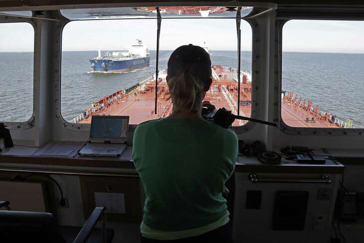 Houston Pilots Captain Kristi Taylor pilots the oil tanker Pamisos through the Houston Ship Channel in Galveston Bay Jan. 3, 2017, in Houston. ( James Nielsen / Houston Chronicle )