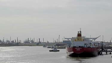 Proposed ship pilot rate increase gets push back - HoustonChronicle com