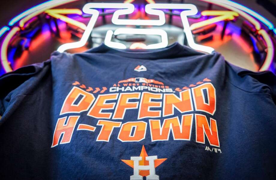 f629d80b523852 PHOTOS: What this year's Astros' division champions, postseason gear looks  like This is