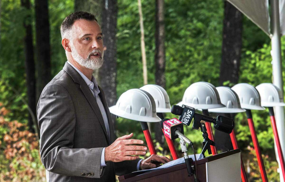 Dan Fitzgerald, chief development officer speaks at the groundbreaking for the new utility-scale battery storage project Key Capture Energy NY1 Wednesday Sept.26, 2018 in Stillwater, N.Y. (Skip Dickstein/Times Union)