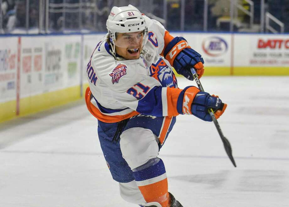 BRIDGEPORT, CT - DECEMBER 17: Ben Holmstrom #21 of the Bridgeport Sound Tigers follows thru on a shot during a game against the Lehigh Valley Phantoms at the Webster Bank Arena on December 17, 2017 in Bridgeport, Connecticut. (Photo by Gregory Vasil/Getty Images) Photo: Gregory Vasil / Getty Images / 2017 Gregory Vasil