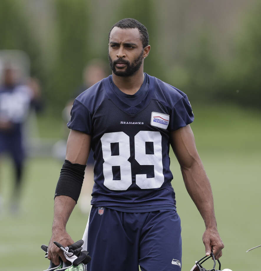 Seahawks wide receiver Doug Baldwin returned to practice on Wednesday. He  hasn t played 6accaaff8