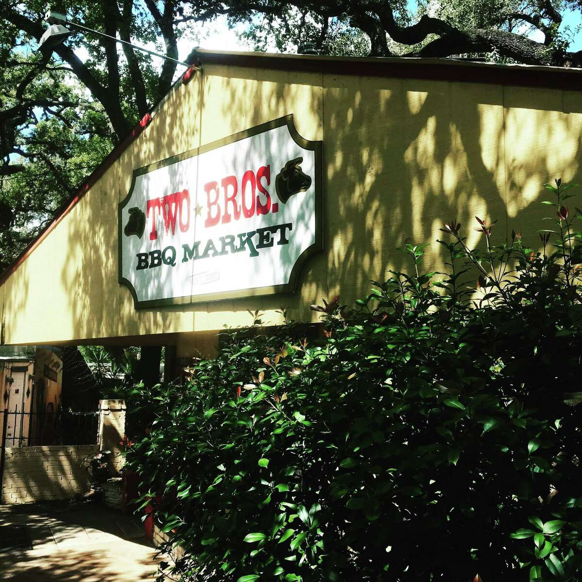 Two Bros BBQ Market 13656 West AVenue Date: 02/07/2019 Score: 67 Highlights: Observed expired