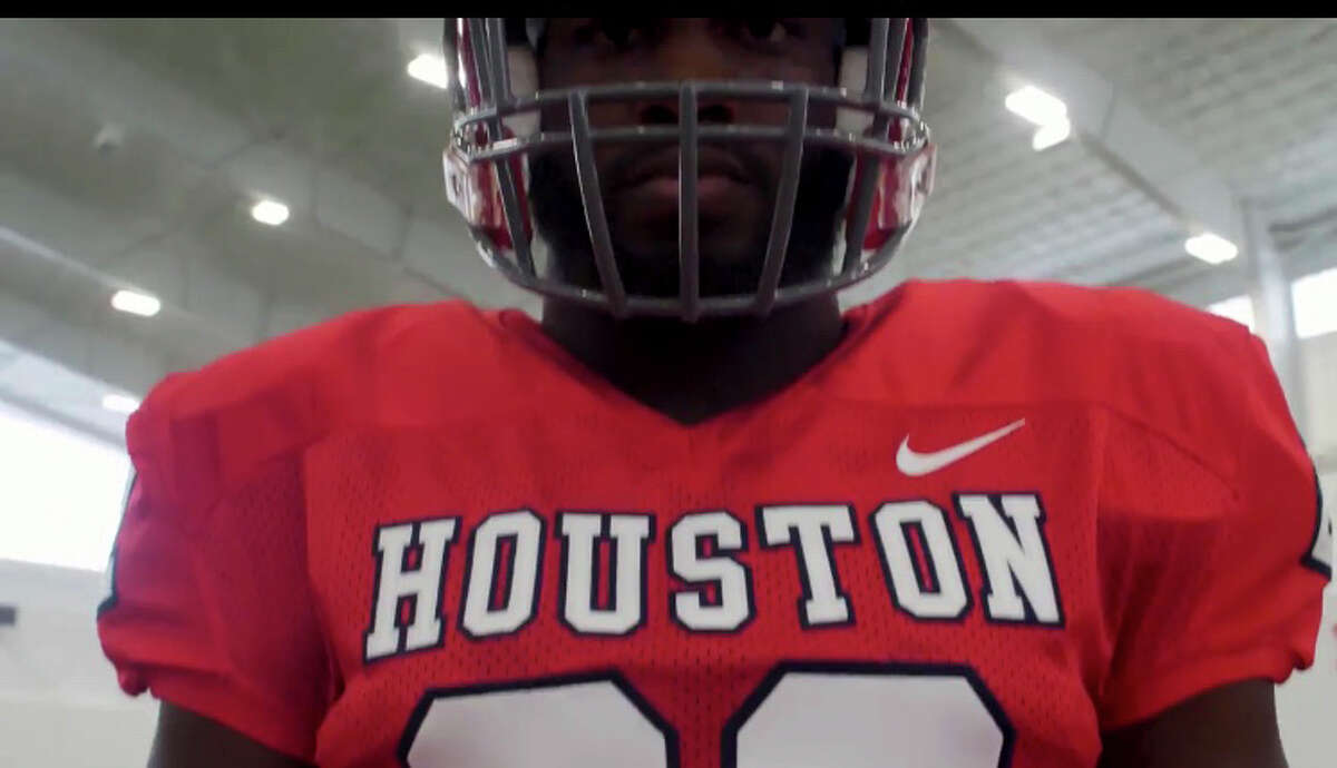 The University Houston will honor the 1968 and 1978 teams by wearing a throwback jersey for the Nov. 10 homecoming game against Temple.The helmet will consist of a red helmet with gray facemasks with the 1968-1978 era UH logo on the sides.