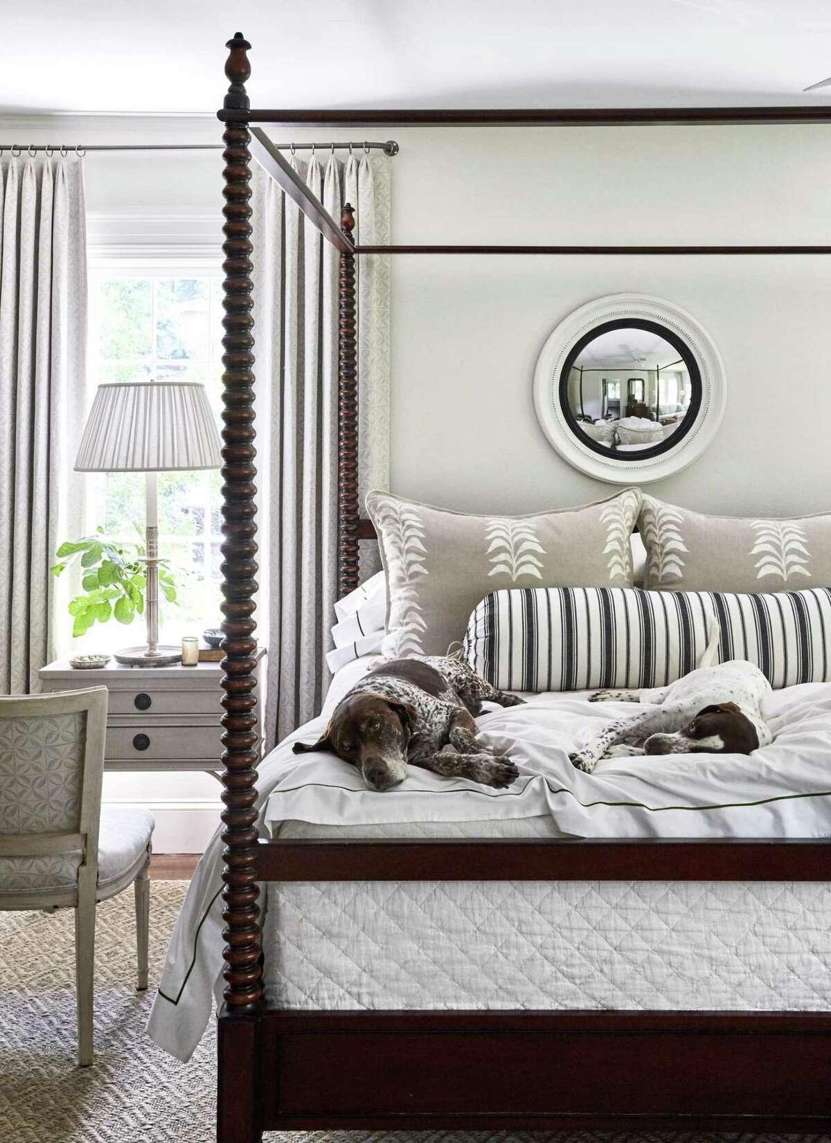 Above, he restful Birmingham bedroom of designer Heather Chadduck Hillegas. Left, an open air meditation space designed by Ohara Davies- Gaetano