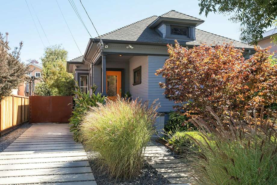 1027 47th St. in Emeryville features two turnkey homes on a single lot. Photo: Liz Rusby / The Grubb Co.