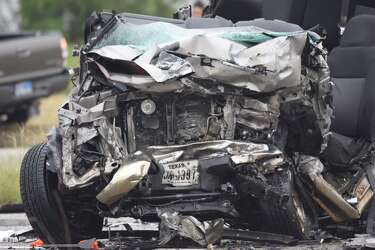 1 killed, 1 injured in head-on crash on Southwest Side - San Antonio
