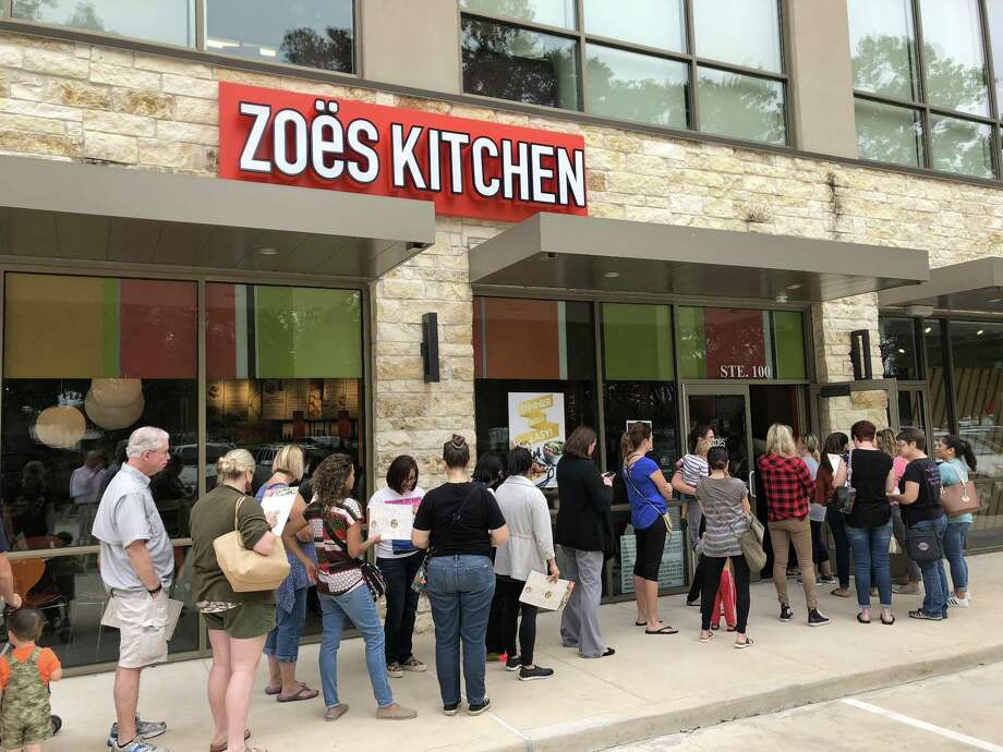 Zoës Kitchen opened a location in Kingwood on Sept. 27 to a line that stretched outside the door. Photo: Jeff Davis, Zoe's Kitchen