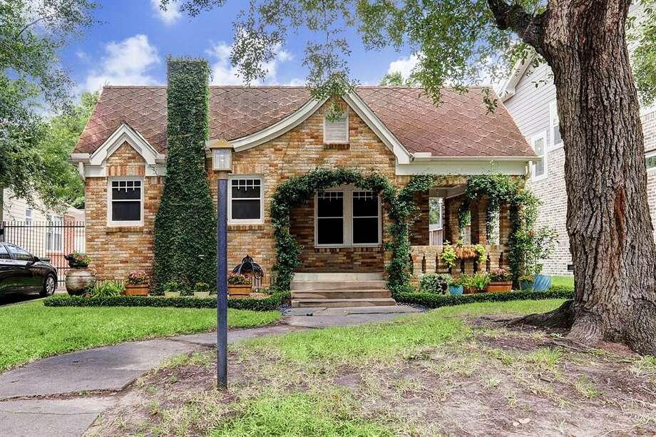 East End Revitalized: 6633 Park Lane  Rent per month: $2,000 Square feet: 1,267 Photo: Houston Association Of Realtors