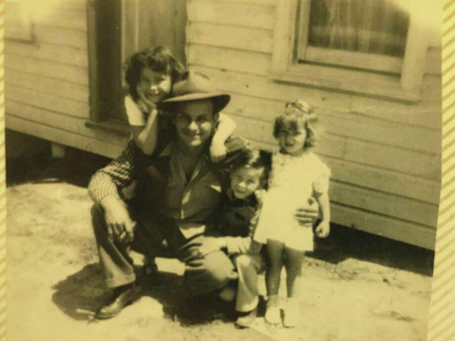 Ferris Hayter with his children Lynda, Susan and Larry.