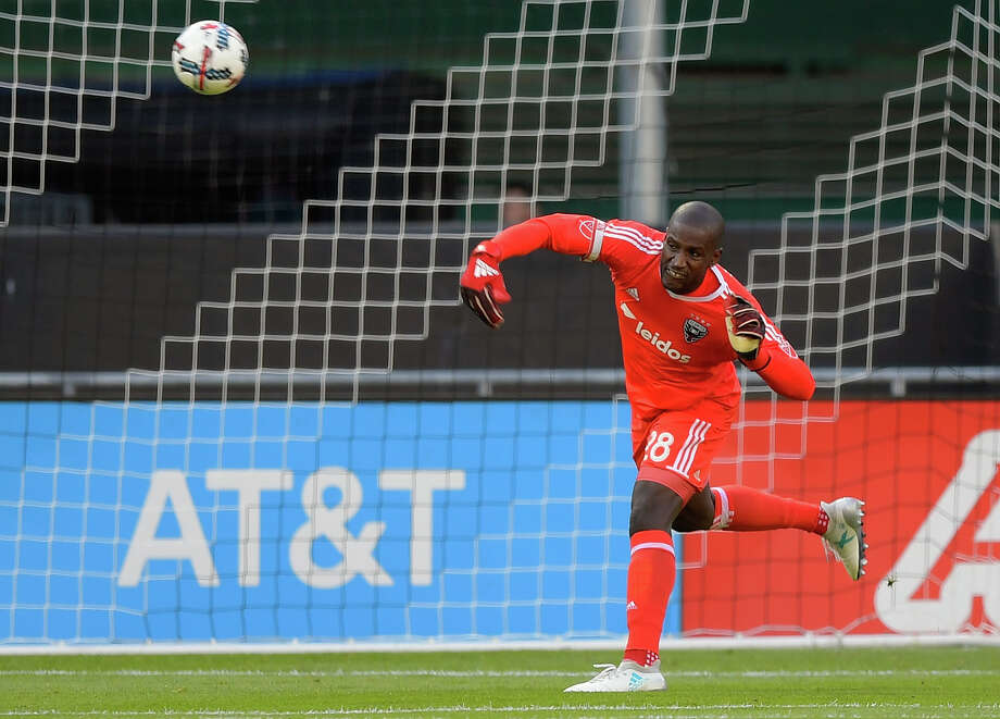 Bill Hamid and D.C. United sit five points behind Saturday's opponent, the Montreal Impact, with a month left in the regular season. Photo: Washington Post Photo By John McDonnell / The Washington Post
