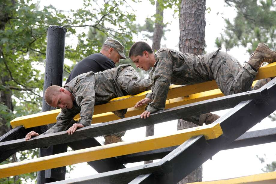Most potential soldiers unfit for duty, according to U S  Army