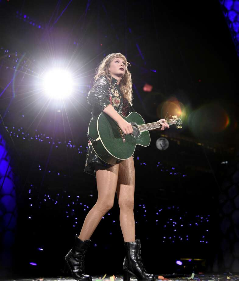 8 Things you can expect to see at Taylor Swift's Houston