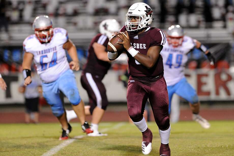 Raymond Foster was nearly flawless through the air during Silsbee's 38-21 win over Giddings on Friday night. The sophomore quarterback went 12-of-15 passing for 211 yards and four touchdowns. Foster's four passing scores went to three different receivers. The longest was a 63-yard connection to Darshon Turk early in the third quarter. Photo: Drew Loker / The Enterprise / DrewLoker.com