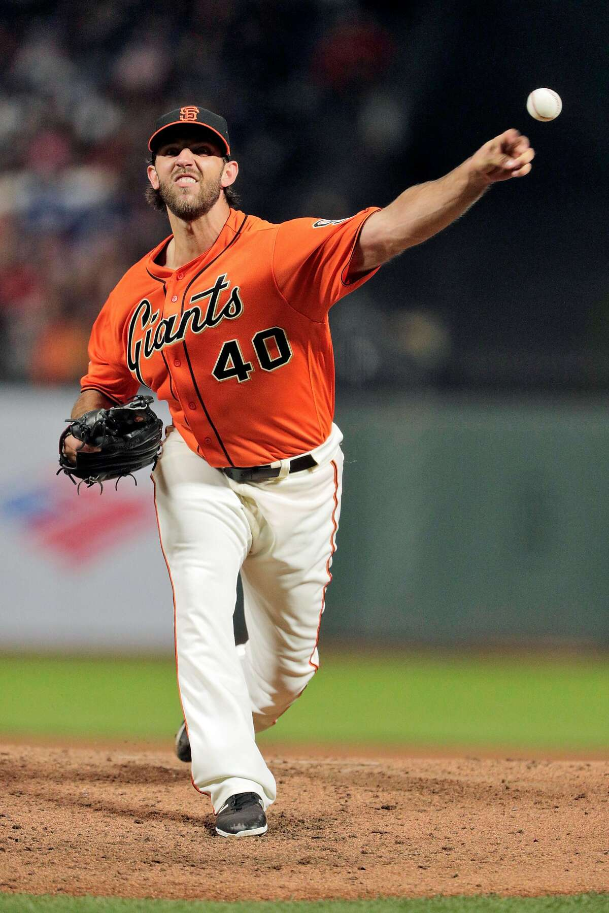 Madison Bumgarner (40) pitches in the sixth inning as the San Francisco Giants played the Los Angeles Dodgers at AT&T Park in San Francisco, Calif., on Friday, September 28, 2018.