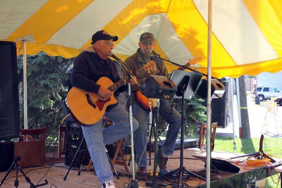 Attractions at the Elkton Country Street Fair on Saturday included live music, vendors, food and presentations for kids by police and firefighters. Photo: Brenda Battel/Huron Daily Tribune