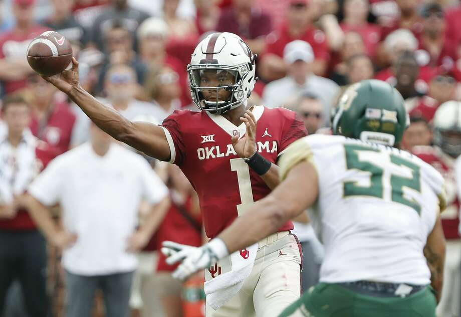 Oklahoma quarterback Kyler Murray (1) passes against Baylor in the first half of an NCAA college football game in Norman, Okla., Saturday, Sept. 29, 2018. (AP Photo/Alonzo Adams) Photo: Alonzo Adams, Associated Press
