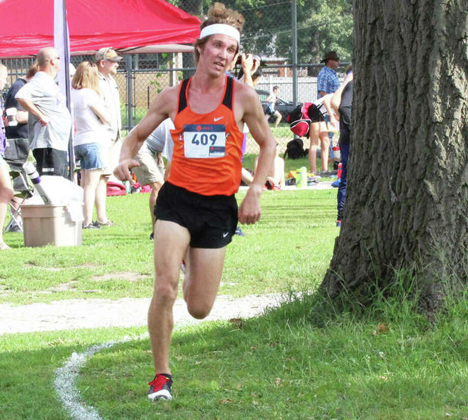 Edwardsville's Roland Prenzler, shown approaching the finish at the Granite City Invite on Sept. 1 at Wilson Park, ran fifth at the Peoria Invitational on Saturday at Detweiller Park. Photo: Greg Shashack / The Telegraph