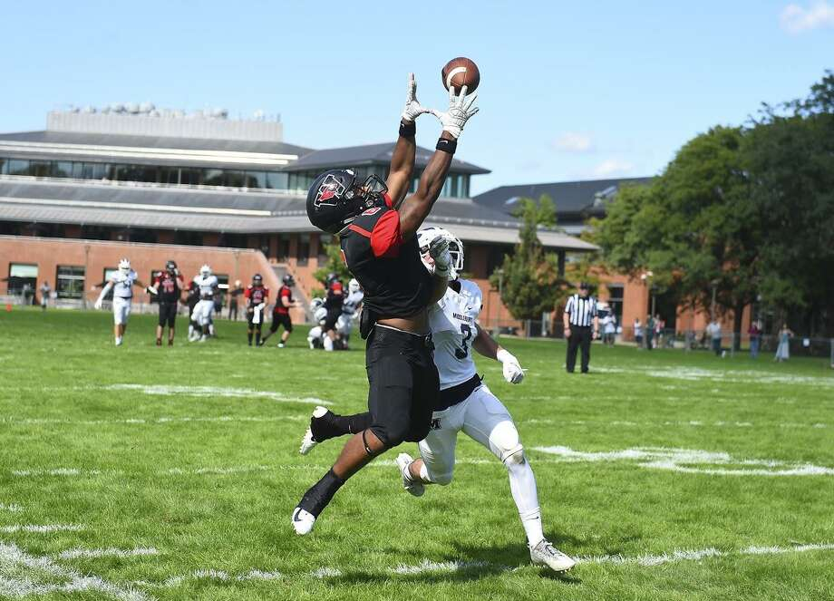 Wesleyan's Dario Highsmith is three games into a successful transition to wide receiver from running back. Photo: Steve McLaughlin / Wesleyan