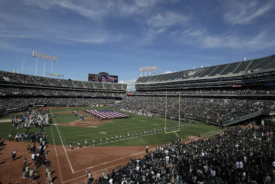 Suited up: Oakland's plan to file a mega-million-dollar lawsuit against both the Raiders and the National Football League over the team's impending move to Las Vegas has blown a tire. Photo: Jeff Chiu / Associated Press