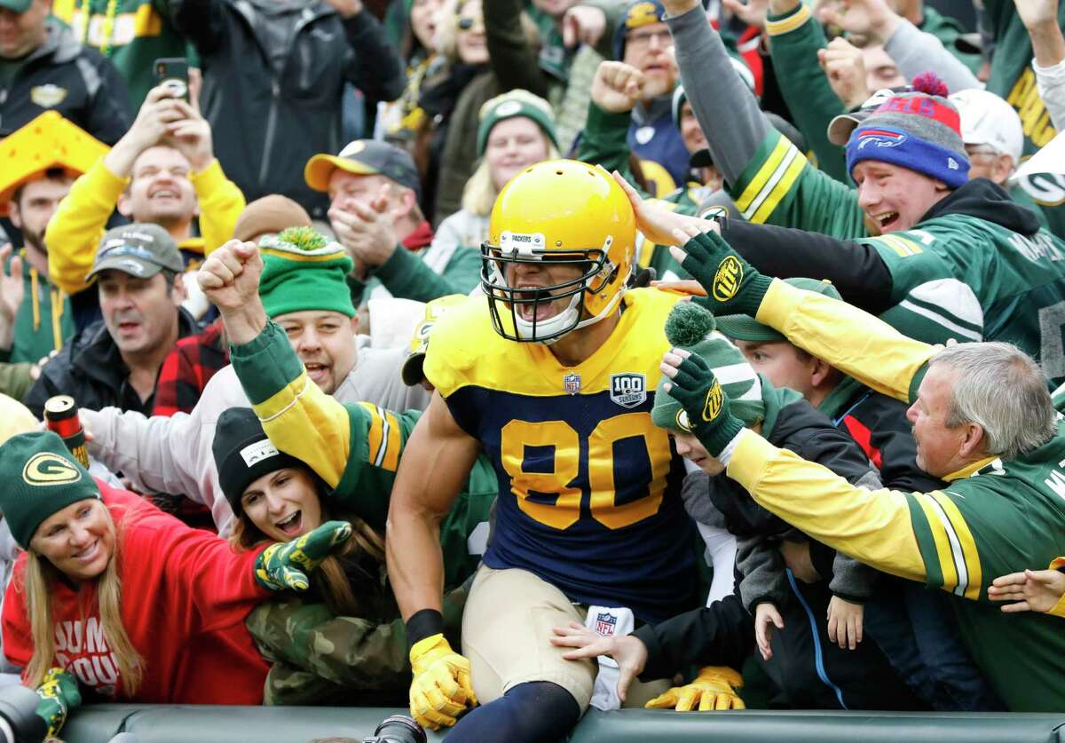 Green Bay Packers' Jimmy Graham celebrates his touchdown reception during the first half of an NFL football game against the Buffalo Bills Sunday, Sept. 30, 2018, in Green Bay, Wis. (AP Photo/Mike Roemer)