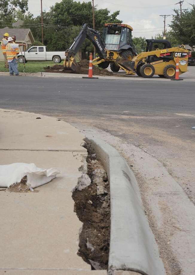 Roadwork continues on Cuthbert Ave. as crews construct new sidewalk curbs on D Street and along Cuthbert. Photo: Tim Fischer/Midland Reporter-Telegram