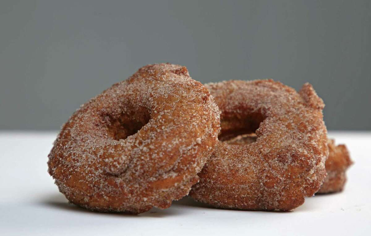 Yankee Magazine's Vermont Apple Cider Doughnuts