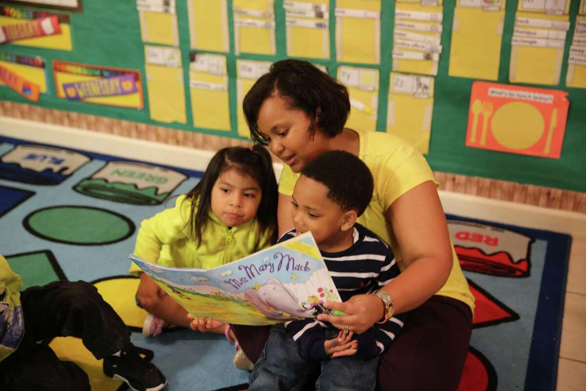Harris County Department of Education Head Start and Early Head Start programs are looking for energetic and nurturing professionals to join their staff.