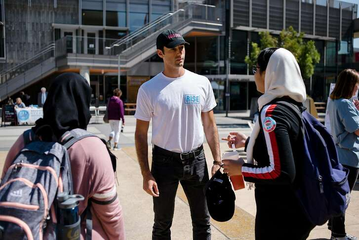 VoteCrew creator and Rise California member Maxwell Lubin speaks with students during a VoteCrew event encouraging students to vote during National Voter Registration Day on the UC Berkeley campus in Berkeley, Calif., on Tuesday September 25, 2018