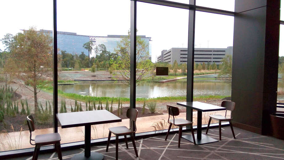 Houston CityPlace Marriott at Springwoods Village faces the CityPlace Park and lake system. Photo: Courtesy Of Houston CityPlace Marriott At Springwoods Village