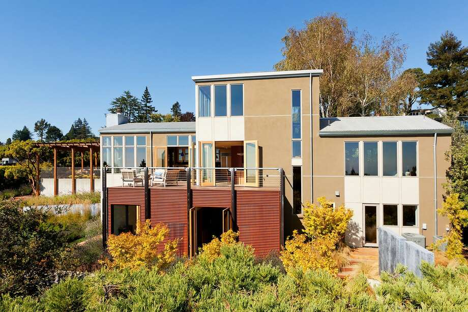 Architect David Stark Wilson of WA Designs updated and expanded the Berkeley home. Photo: Reflex Imaging