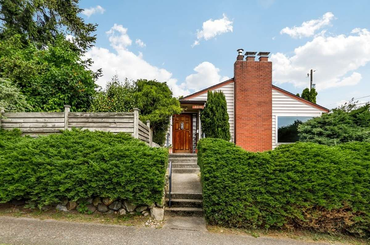3610 NE 65th St, Seattle, WA 98115, listed for $699,000. See the full listing below.