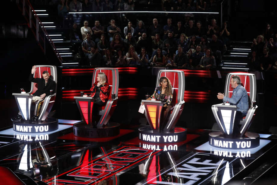 THE VOICE -- 'Blind Auditions' Episode 1501 -- Pictured: (l-r) Adam Levine, Kelly Clarkson, Jennifer Hudson, Blake Shelton -- Photo: (Photo By: Trae Patton/NBC/NBCU Photo Bank Via Getty Images)